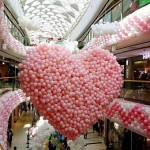 Heart balloon drop net